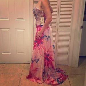 Beautiful Gala dress Brand new